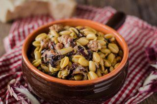 Gnocchetti sardi salsiccia e zafferano: per pranzo