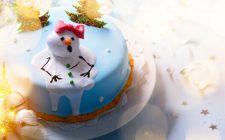 La torta di Natale in pasta di zucchero da realizzare in poche mosse