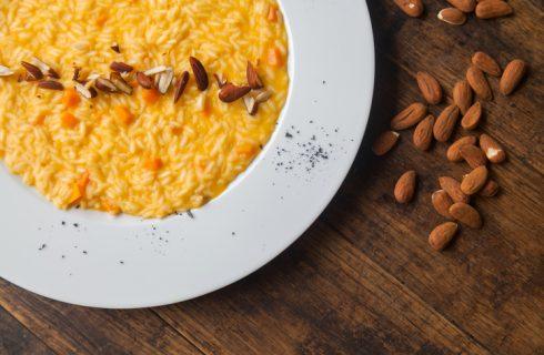 Il risotto alle mandorle e zucca perfetto per il pranzo