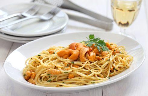 Gli spaghetti ai ricci di mare, la ricetta sarda per la vigilia di Natale