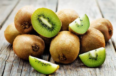 5 ricette salate con il kiwi: i piatti buoni e sfiziosi