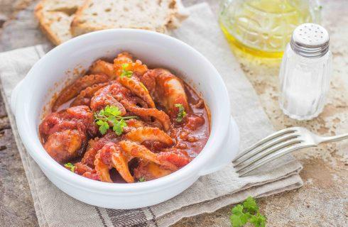 Polipetti affogati, ricetta napoletana