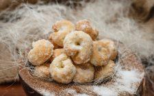 La ricetta dei biscotti al vino bianco e zucchero di canna