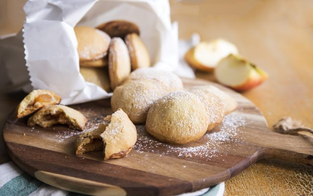 biscotti-con-cuore-di-mela-1