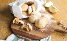 biscotti-con-cuore-di-mela