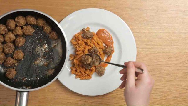 insalata-pasta-e-polpette-7
