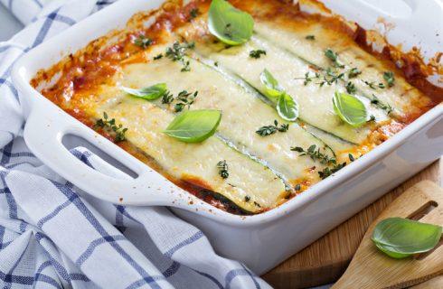 La lasagna gorgonzola, noci e gamberetti, la ricetta del primo piatto importante