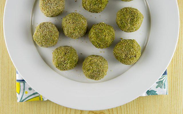 polpette-di-verdure-broccoli-e-mandorle-3