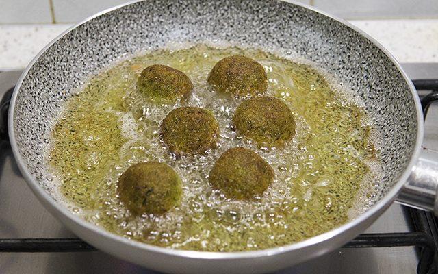 polpette-di-verdure-broccoli-e-mandorle-4