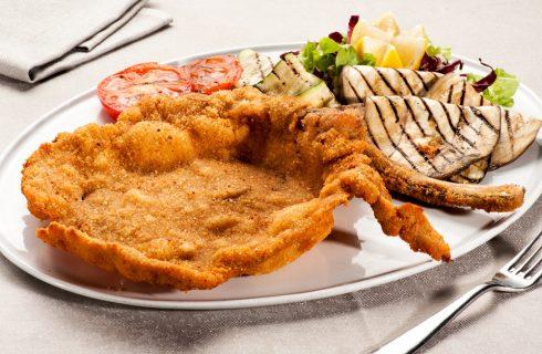Cotoletta alla milanese: è peggio farla di pollo o di maiale?