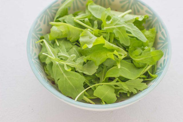 step-1-insalata-con-avocado-noci-e-gamberi