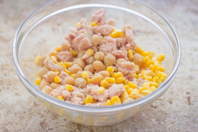 step-1-insalata-di-ceci-e-tonno