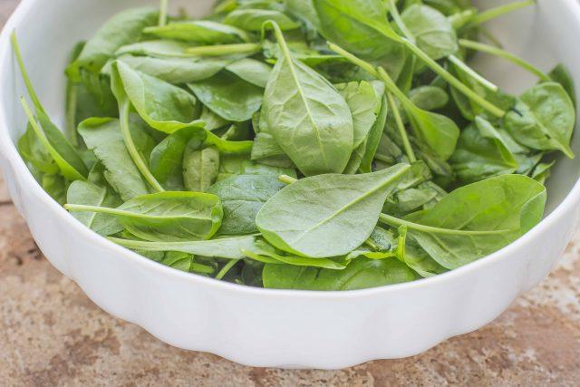 step-3-insalata-di-spinaci-crudi-e-funghi