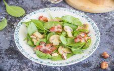 stilll-ife-insalata-di-spinaci-crudi-e-funghi