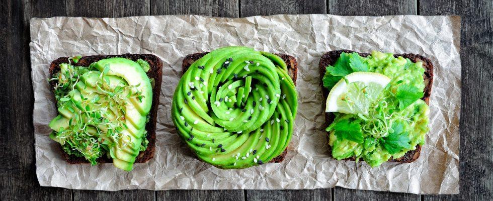 Come fare l'avocado toast, lo stuzzichino light che mette tutti d'accordo