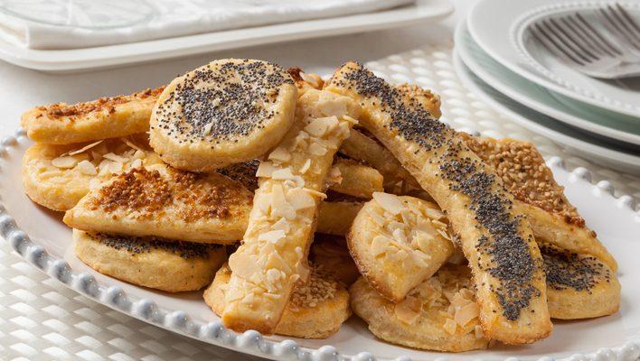 I biscotti salati con farina di ceci perfetti per l'aperitivo