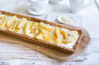 Crostata di mele caramellate e panna