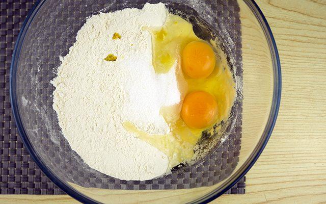 crostoli-ripieni-di-marmellata-step-1