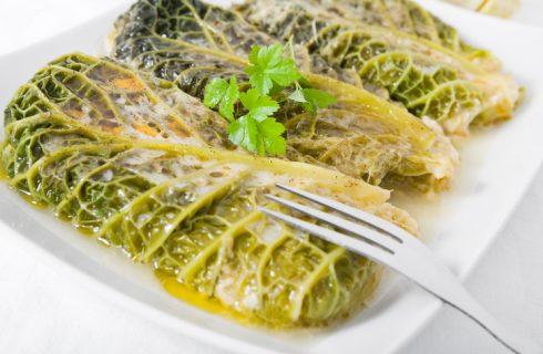 La ricetta degli involtini di verza con mortadella e patate
