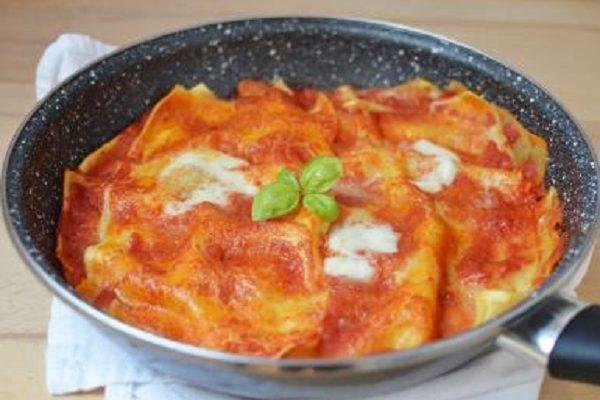 Le lasagne in padella da preparare all'ultimo per il pranzo di Carnevale
