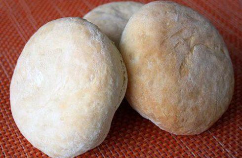I panini di semola rimacinata fatti in casa con la ricetta facile