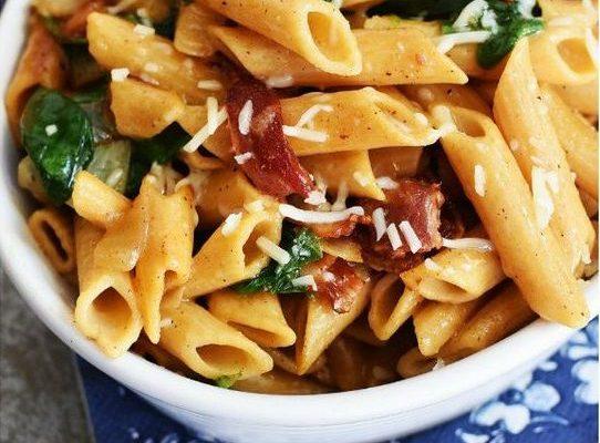 Come preparare la pasta spinaci e pancetta in poche mosse