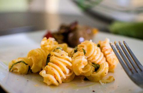 La pasta con cavolfiore e bottarga, la ricetta del primo della tradizione romana