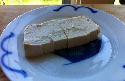 Tofu al curry e latte di cocco: la ricetta da provare