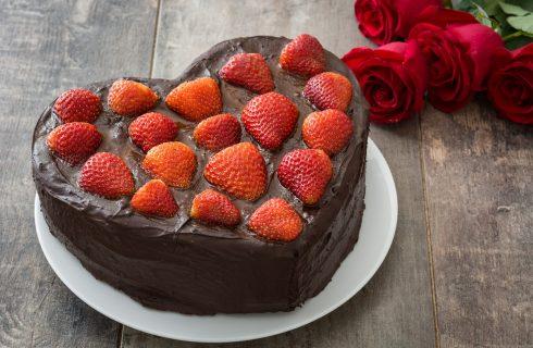 Come fare la torta di San Valentino a forma di cuore