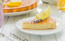 La torta con la lavanda per una colazione speciale