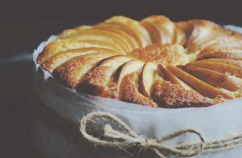 Come fare la torta di mele al microonde con la ricetta facile