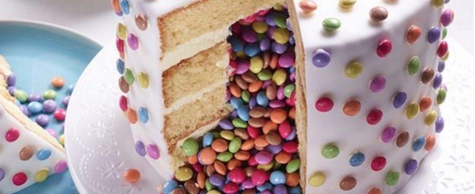 La torta sorpresa per Carnevale da fare con i bambini