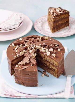 Torta, nutella e caffè con glassa al cioccolato