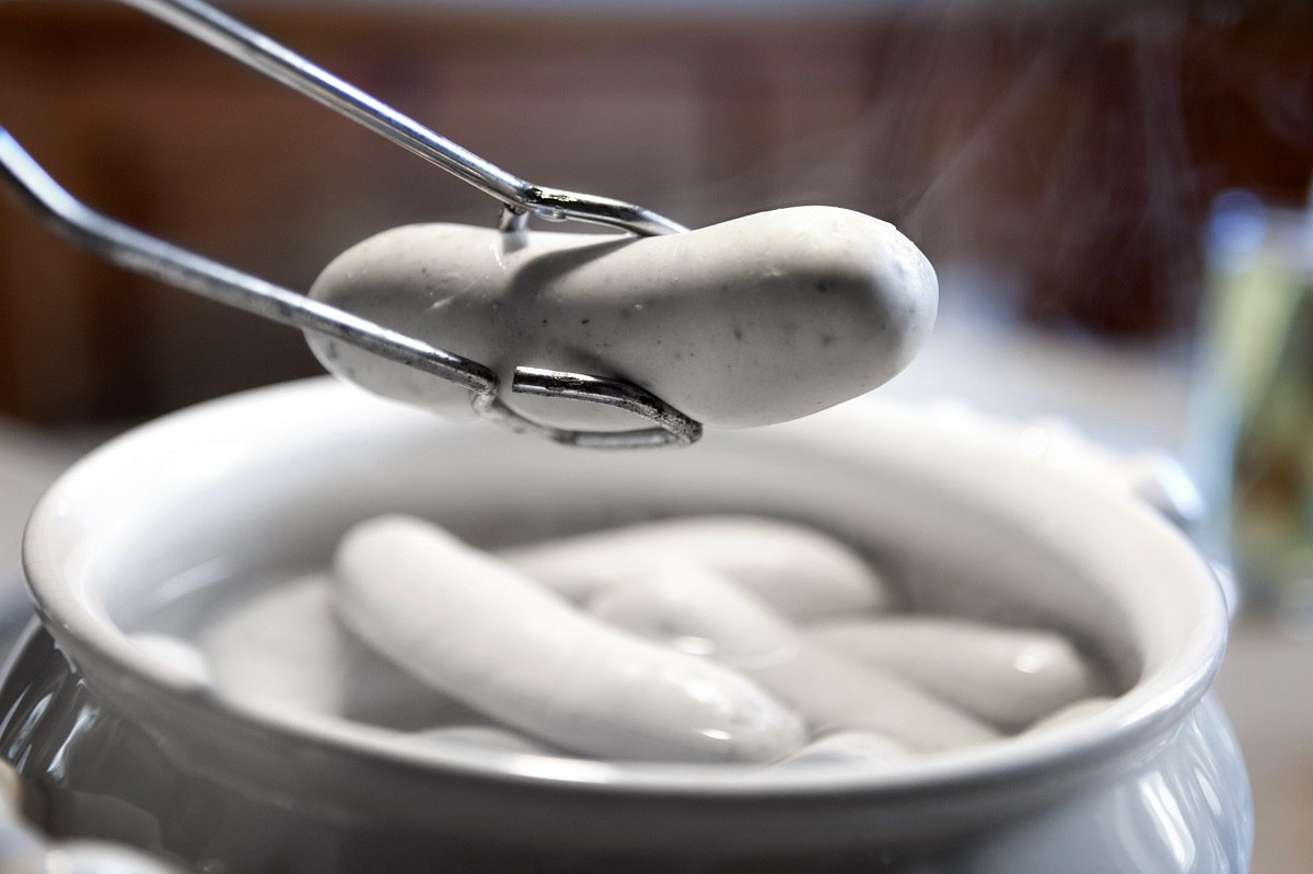 Ricetta Wurstel Bavaresi.Cottura Dei Wurstel Bianchi Come Si Cucinano Gustoblog
