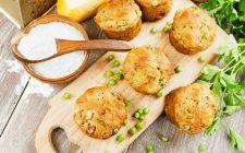 I muffin con piselli e carote, la ricetta sfiziosa per cene in famiglia