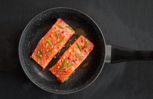 Come cucinare il salmone in padella