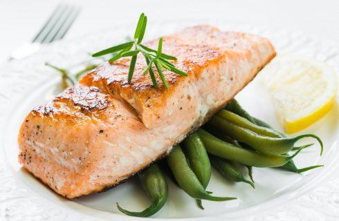 Salmone in oliocottura, la ricetta