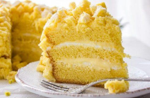 La torta mimosa all'ananas per la Festa della donna con la ricetta semplice