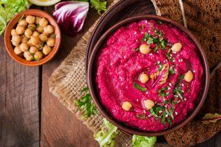 Hummus di barbabietole vegano