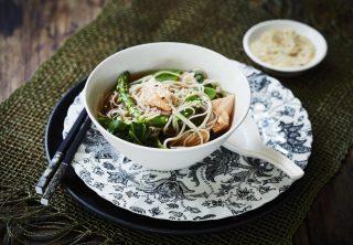 Zuppa di miso e salmone: cena giapponese