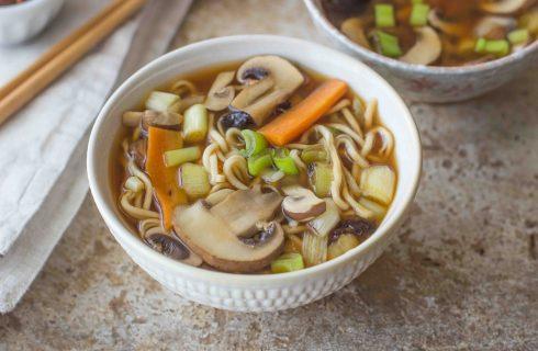 Brodo di miso: cucina orientale