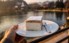 In Slovenia assaggiate la Bled Cake