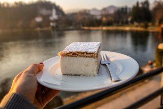 Vacanze in Slovenia? Assaggiate la Bled Cake
