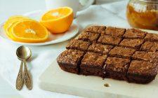 I brownies all'arancia e cioccolato, la ricetta perfetta per la merenda