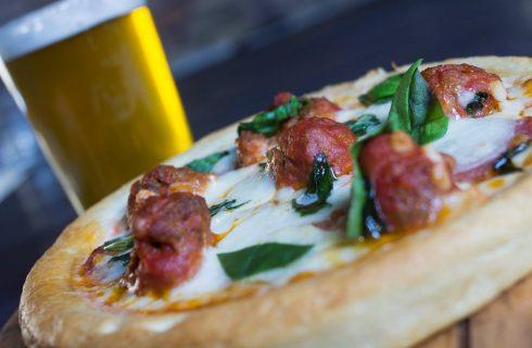 La pizza Deep Dish di Chicago arriva a Roma
