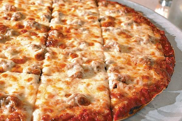 chicago-thin-crust-pizza