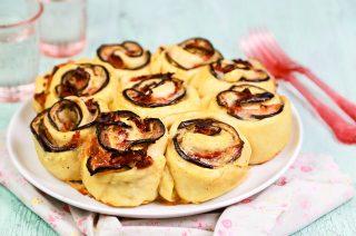 Torta di rose alle melanzane: per la festa della mamma