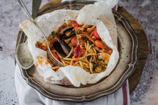 Spaghetti di mare al cartoccio: primo per l'estate