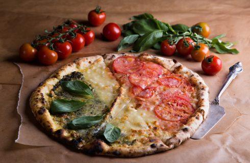 La ricetta della pizza tricolore da fare in casa