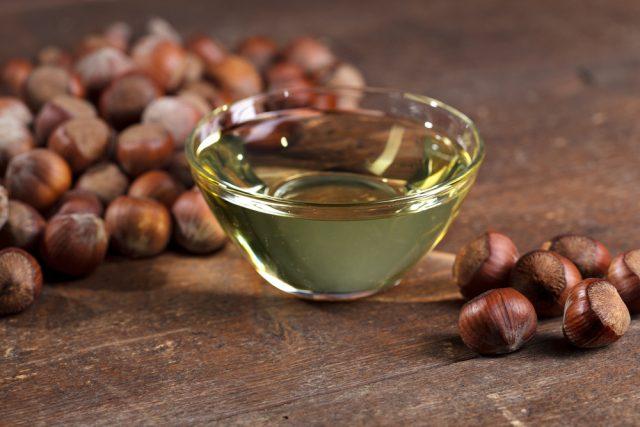 olio di nocciole